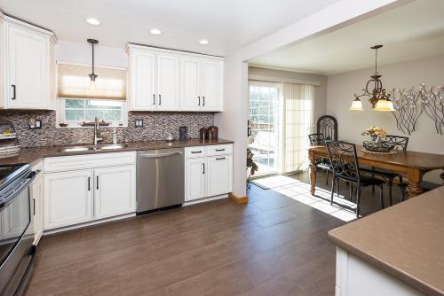 white kitchen-2