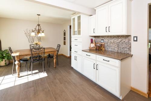 white kitchen-3